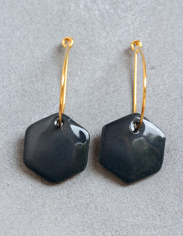Ohrringe aus schwarzem Porzellan